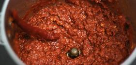 Red chili paste