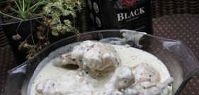 Chicken in Burbon whiskey with white Sauce
